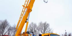Кран-подъёмник 25-32 тонны 32,5 метра